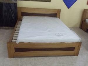 Betétes oldaltfiókos keményfakeretes ágy
