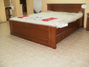 Kent oldaltfiókos keményfakeretes ágy