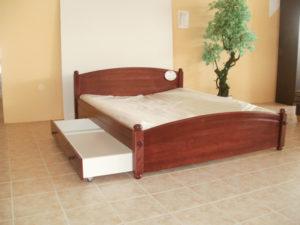 Oszlopos oldaltfiókos keményfakeretes ágy