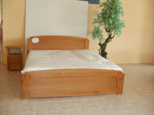 Rátétes oldaltfiókos keményfakeretes ágy